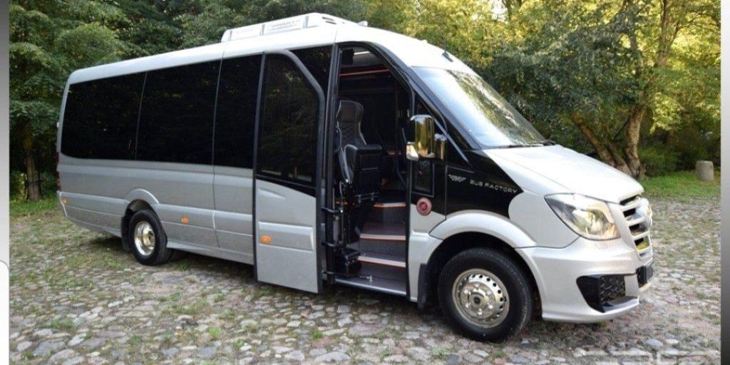 מיניבוס 20 מקומות עם תא מטען ענק